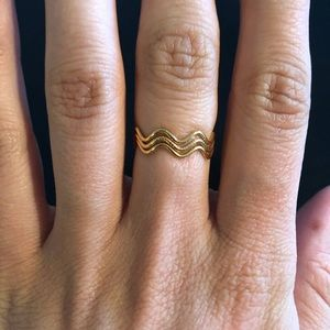 Adjustable Wavy Gold Ring Size 7-8